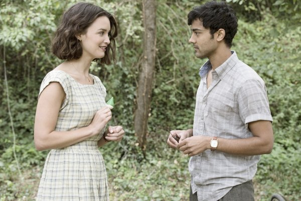 The Hundred-Foot Journey - Manish Dayal and Charlotte Le Bon Wallpaper