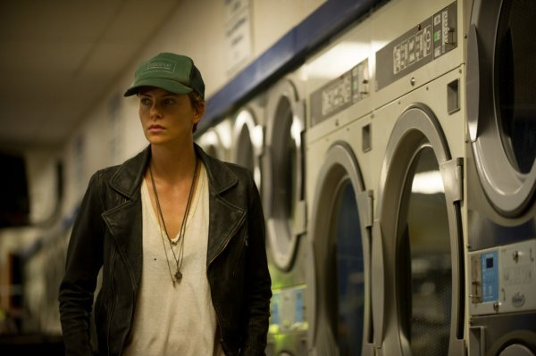 Dark-Places-laundromat