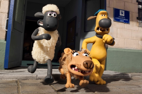 SHAUN THE SHEEP MOVIE - 2015 FILM STILL - 'Shaun', 'Slip' and 'Bitzer' - Photo Credit: Lionsgate