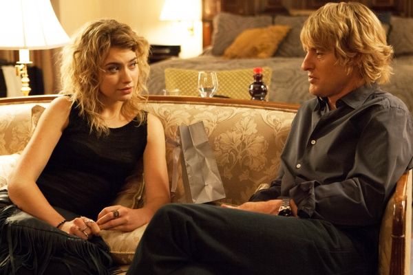 """FILM STILL - Arnold Albertson (Owen Wilson) and Isabella """"Izzy"""" Patterson (Imogen Poots) in SHE'S FUNNY THAT WAY. Photo credit: Lionsgate Premiere"""
